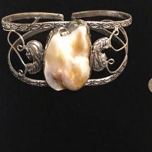 Jewelry - Biwa Pearl Cuff